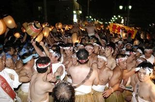 裸祭 磐田市.jpg
